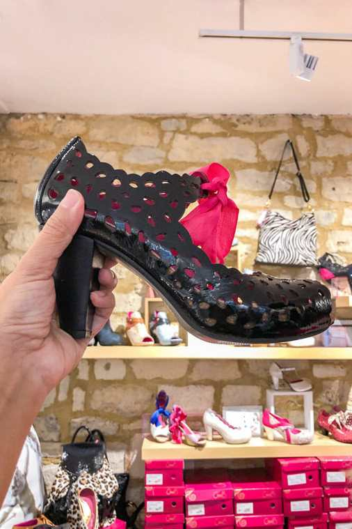 Chanii.B-Shoes,-Bath