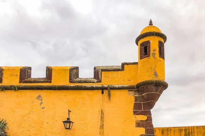Sao-Tiago-Fortress,-Funchal