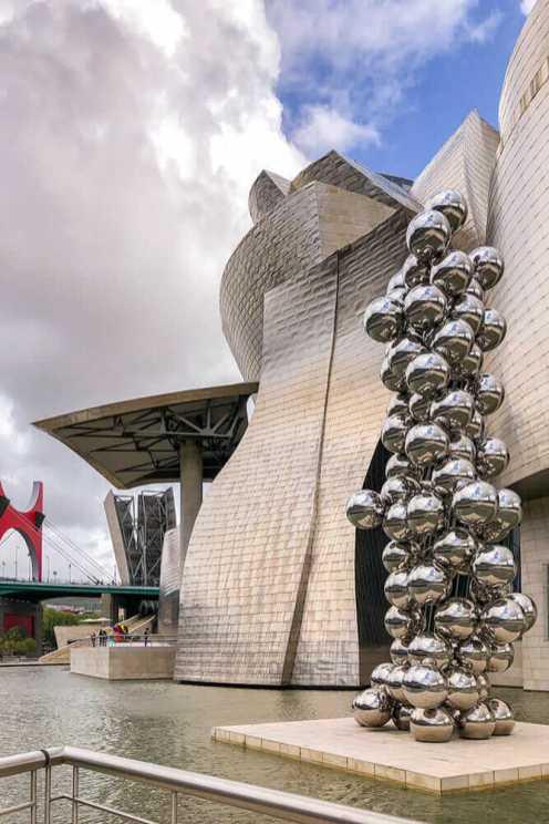 Guggenheim-Museum,-Bilbao-2