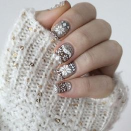 Holiday Nail Art - Taupe Fair Isle