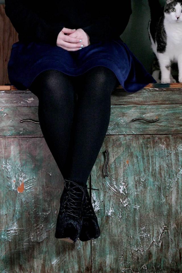 I'm Wearing: Silk Skirt & Velvet Boots (+ Bonus Cat!)