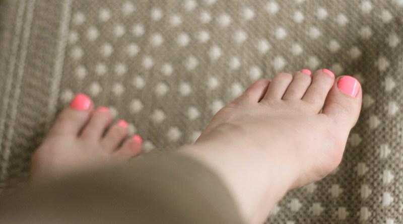 nails pedicure nail art sepia coral pink toes toenail plish