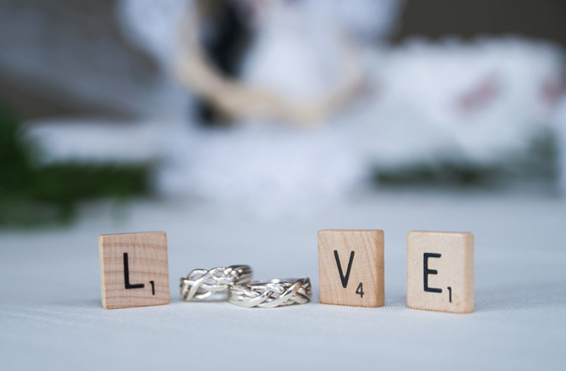 scrabble tiles rings wedding photography