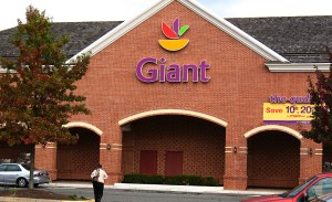 GIANT grocery stores