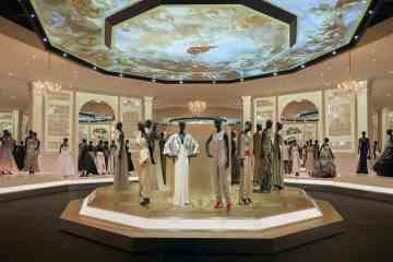 V&A_Christian Dior Designer of Dreams exhibition_Ballroom section (c) ADRIEN DIRAND (22)