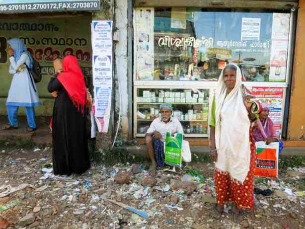 preparing for the rickshaw run
