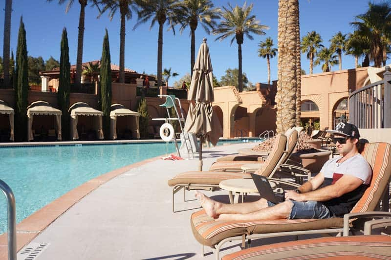 Digital Nomads in Las Vegas, how to become a digital nomad, becoming a digital nomad, 10 jobs for digital nomads,