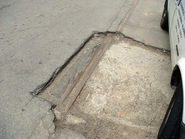 Streetcar tracks on Shelby Street. (Branden Klayko / Broken Sidewalk)