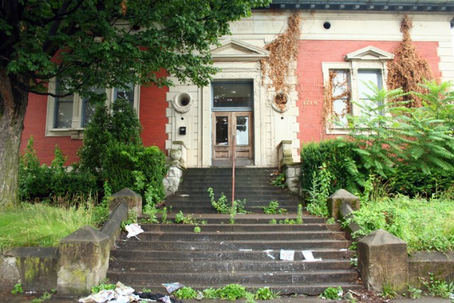 Former Jefferson Branch Library in Russell (photo by Diane Deaton-Street)