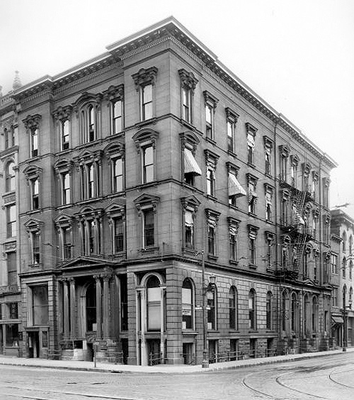 Hamilton Bank Building at 6th & Main (UL Photographic Archives)