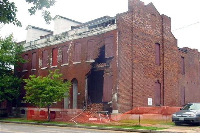 Partially collapsed rowhouse in St. Louis (Courtesy Dotage St. Louis)