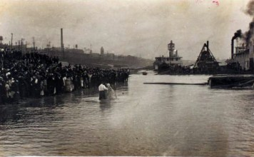 Ohio River Baptism. (Courtesy New York Public Library)