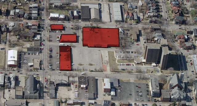 The so-called Winn-Dixie block is arranged in an auto-oriented, suburban model. (Courtesy Bing)