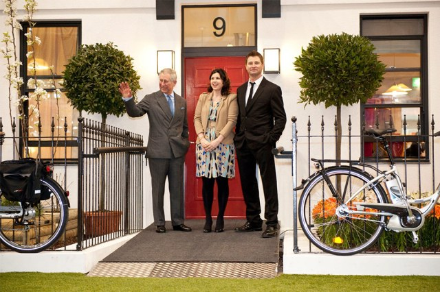 HRH The Prince of Wales with Kirstie Allsopp and George Clarke of the Prince's Foundation. (Courtesy The Prince's Foundation)