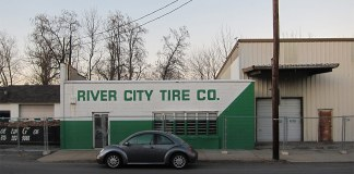 The old River City Tire on Frankfort Avenue. (Branden Klayko / Broken Sidewalk)