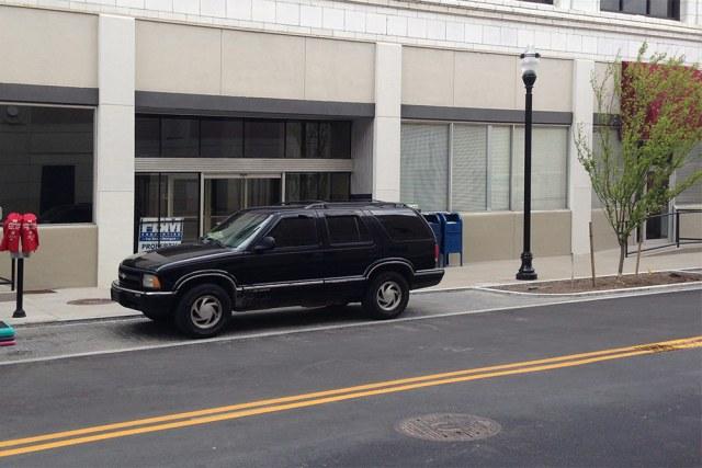 Private building owner's lack of interest in retail space is the real problem along Guthrie. (Elijah McKenzie / Broken Sidewalk)