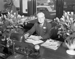 Bud Hillerich at his desk at the Smoketown headquarters in 1941. (Courtesy UL Archives - Reference)