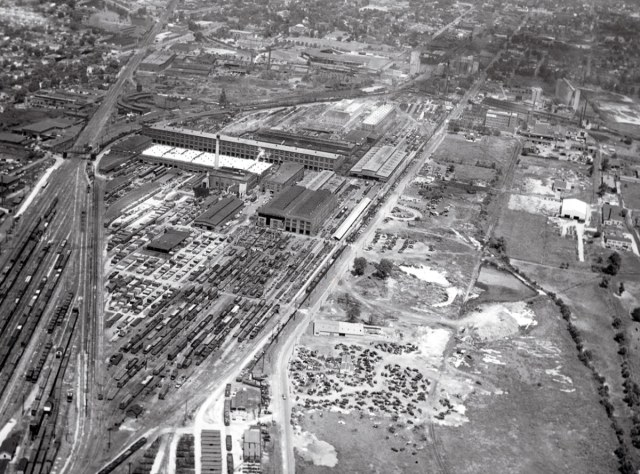 Aerial view of the L&N South Yards in 1948. (Courtesy L&N)