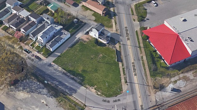 The project site at Shelby and Ash streets. (Courtesy Google)