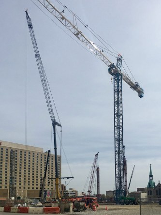 The completed tower crane. (Courtesy Tipster)