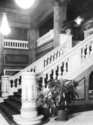 Detail of the Rialto's grand marble stair. (Courtesy UL Archives)
