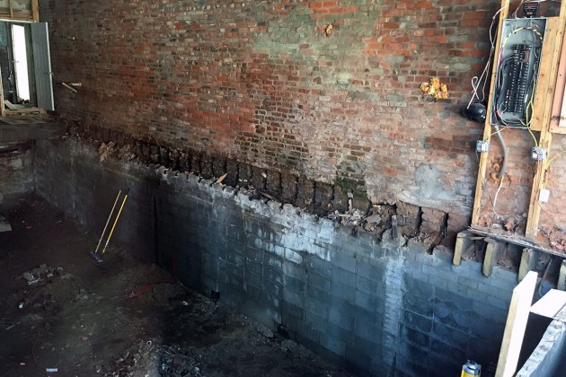 Renovation work at 632 East Market Street in April 2016. (Branden Klayko / Broken Sidewalk)
