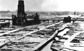 Rotterdam after bombings in World War II. (Wikimedia Commons)