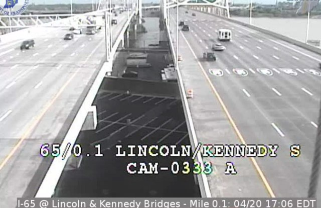 Afternoon rush hour traffic with the Second Street Bridge closed. (Trimarc)