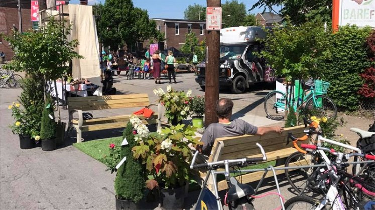 An astroturf parklet at Better Block. (Courtesy Louisville Forward)