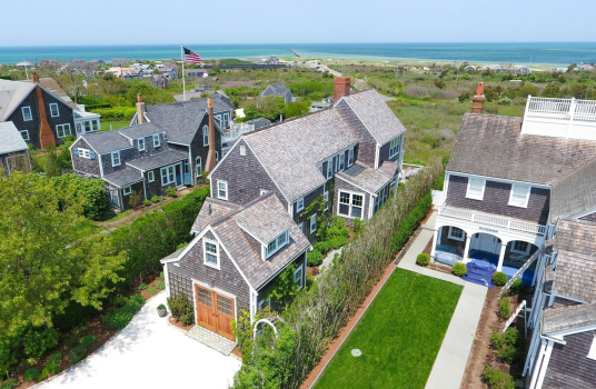 9 Cabot Lane, Nantucket   $10,995,000   Listed By Sotheby's