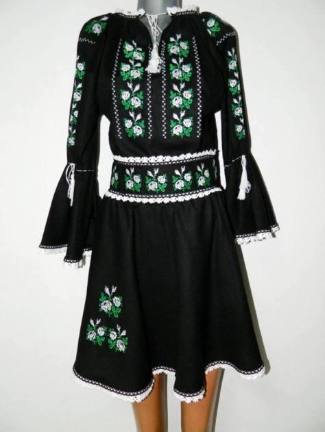 motiv romanesc rochii