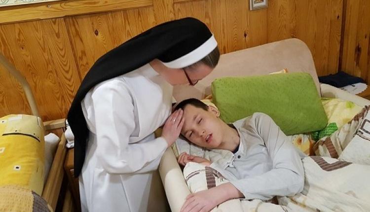 """Tak siostry dominikanki świętują """"Dzień Pingwina"""" [WIDEO]"""
