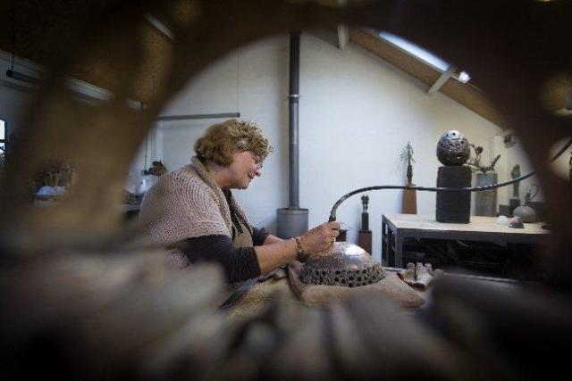 Werkzaamheden in Atelier de Jutteakker