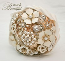 brooch, broach, bouquet, floral, flower, pearl, bling, ivory, vintage, retro, gold, brooch beautiful