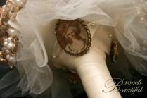 bling brooch broach vintage classic unique forever bouquet bridal #broochbeautiful antique pearl vintage golden
