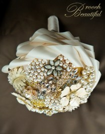 Vintage Gold Pearl Ivory Bling Brooch Bouquet 5