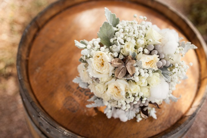 rustic wedding bouquet with cotton