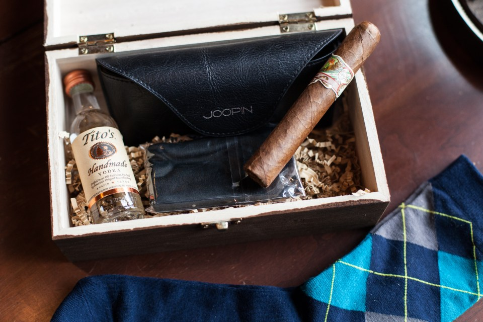 groomsmens gifts with cigar socks mini alcohol bottle