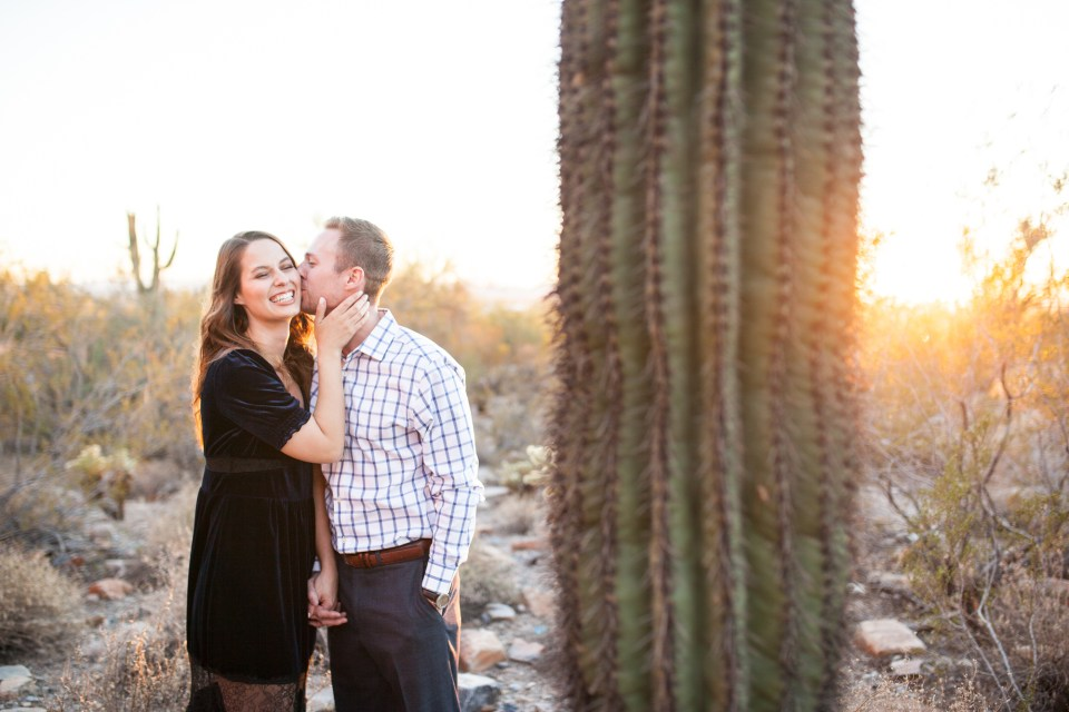 engagement pictures with cactus