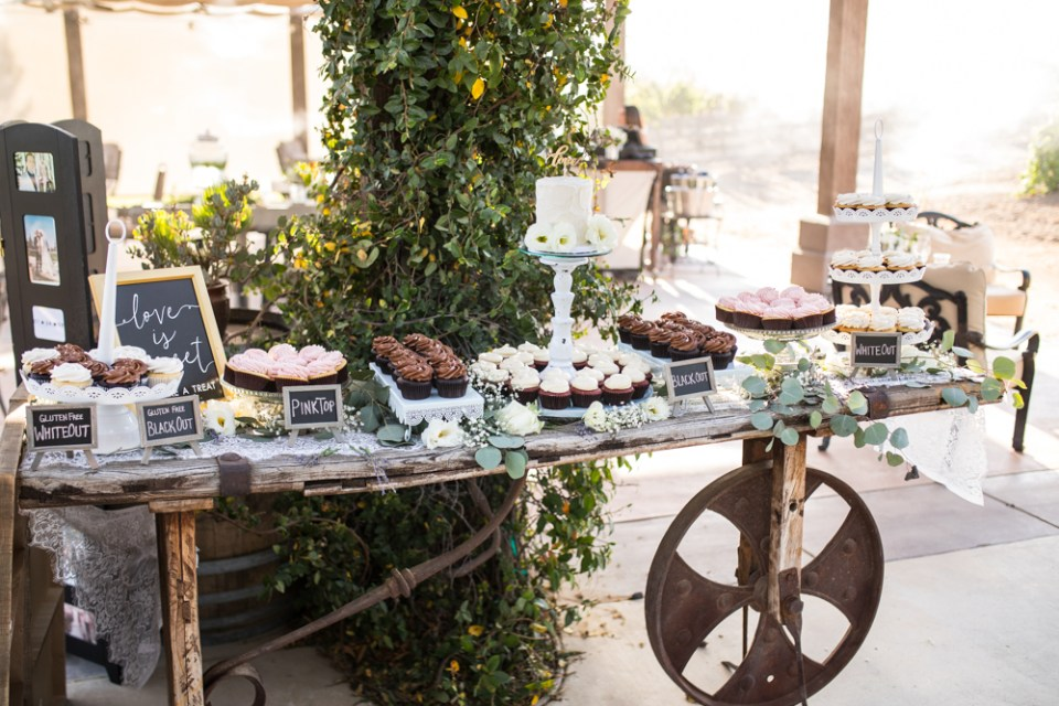 Temecula Winery Wedding cake table