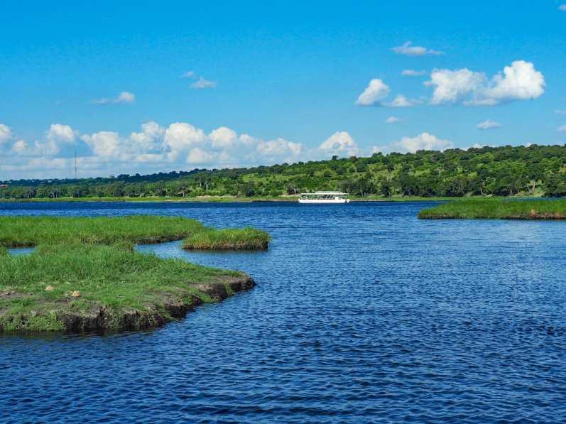 Cruising along the Chobe River