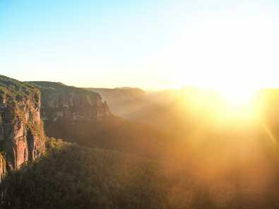 Govetts Leap lighting up at sunrise