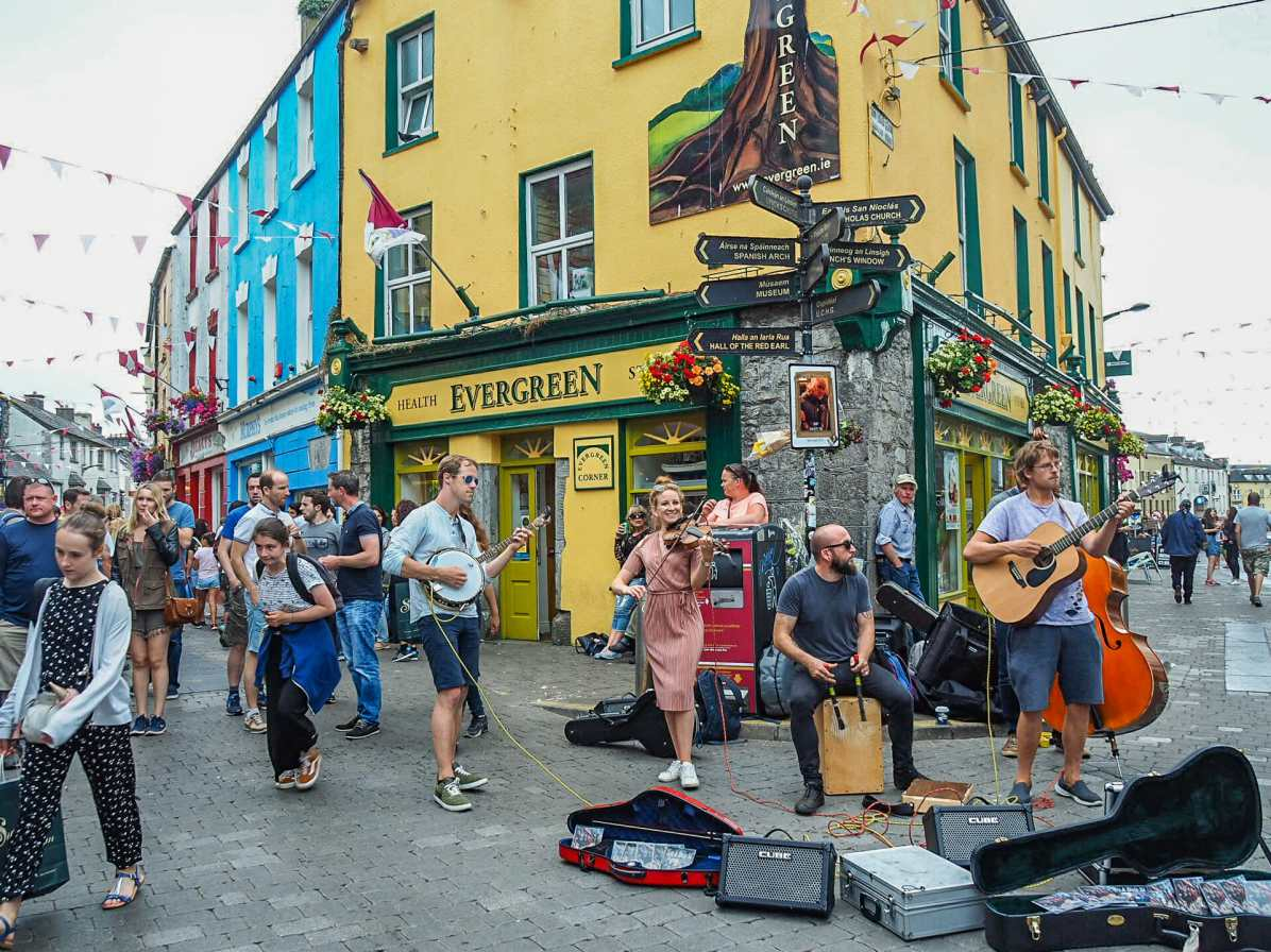 Buskers in Galway