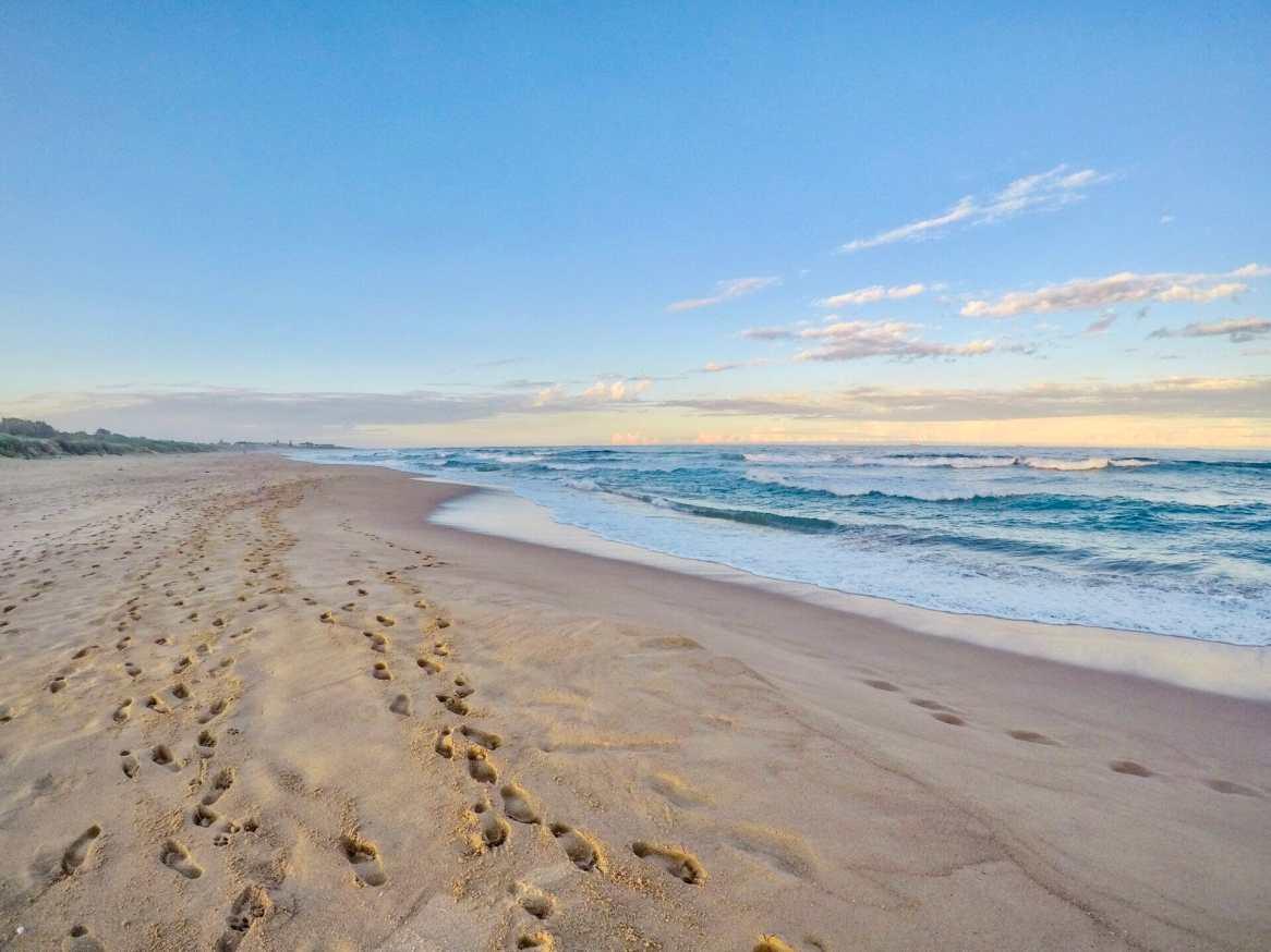Evening stroll along Fairy Meadow Beach