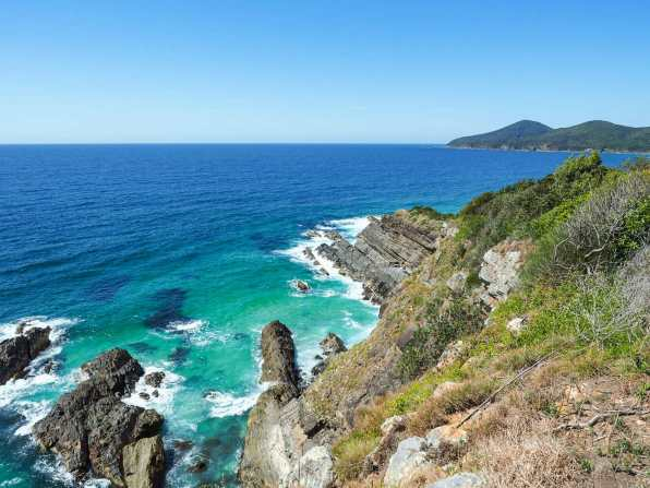The dramatic coastline at Bennetts Head Lookout