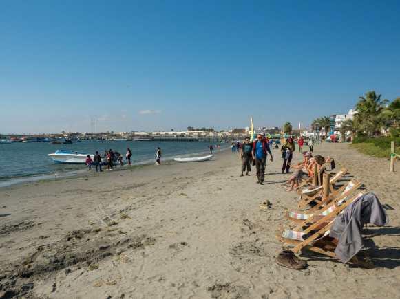 Very average beach in Paracas