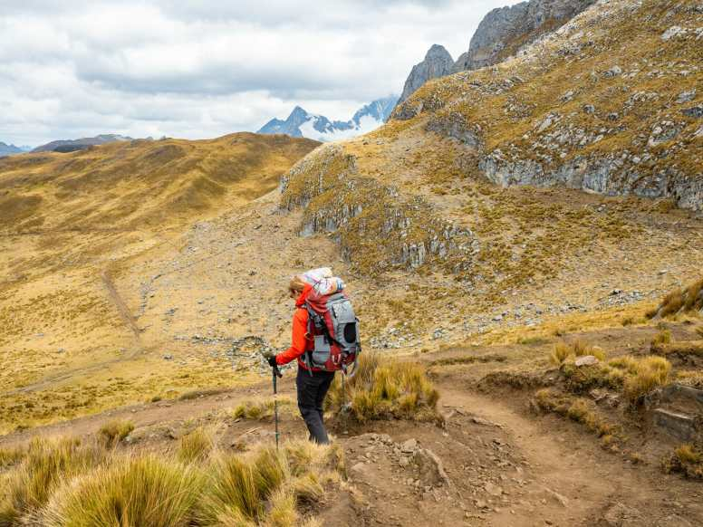 Eileen descending from Cacananpunta