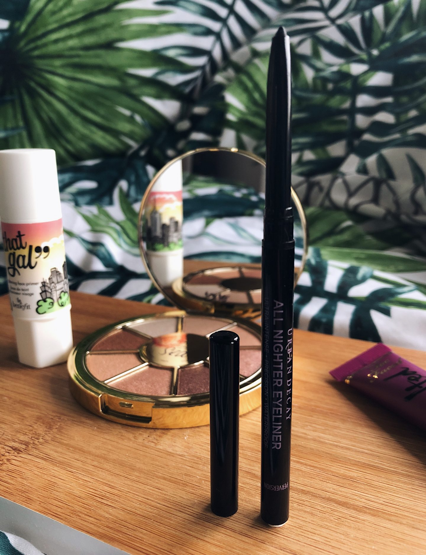 April 2018 Look Incredible Deluxe Subscription Box - urban decay all nighter eyeliner waterproof perversion