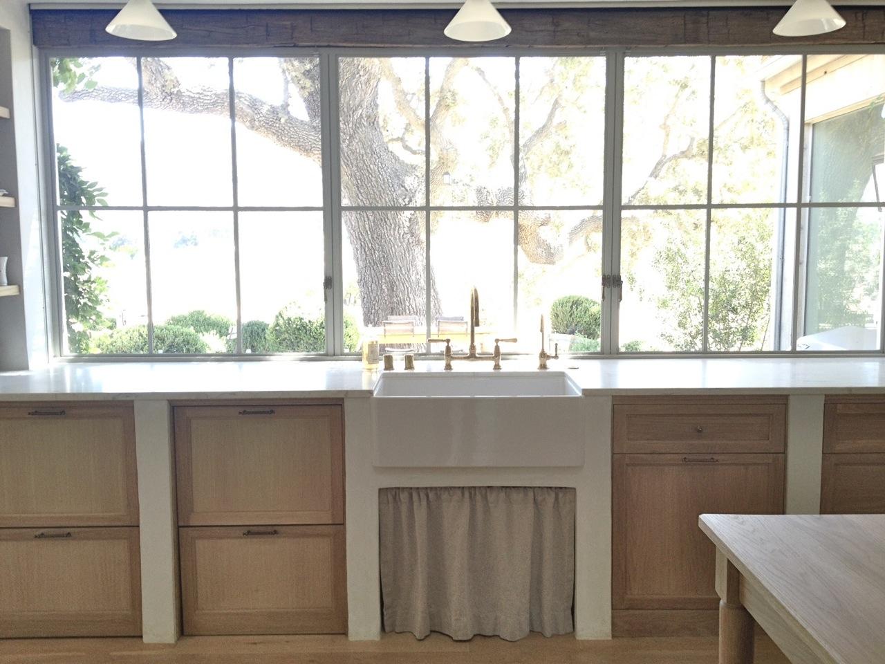 8 Stunning Farmhouse Kitchen Design Ideas!