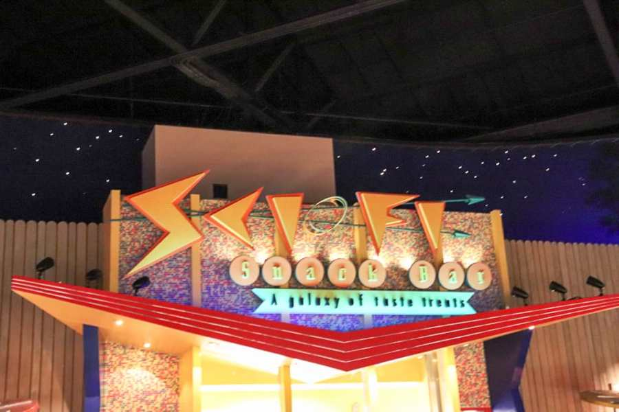 Why We Love The Sci Fi Diner in Walt Disney World (And You Should, Too!)